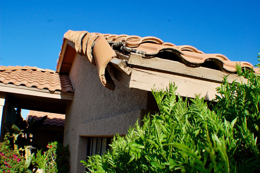 Roof damaged by the wind